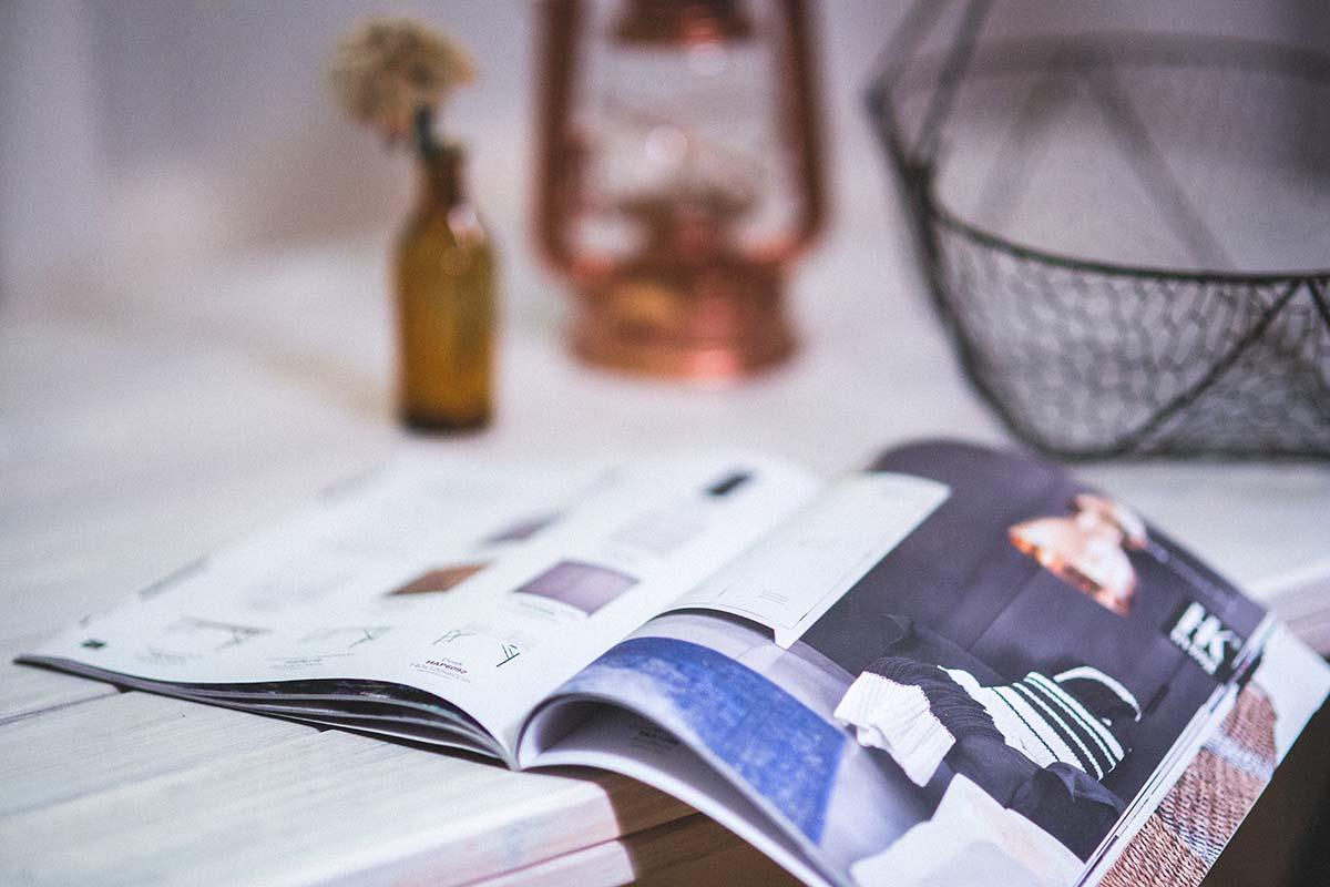 Zeitschrift als Symbol für informationelle Suchen bei Know-Keywords